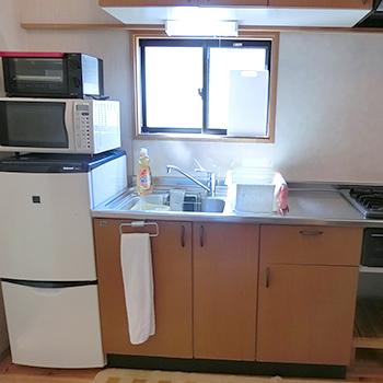8名様用コテージ冷蔵庫・電子レンジ・トースター